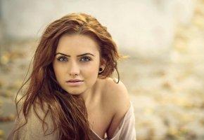 Обои портрет, рыжеволосая, глазки, зеленоглазая, взгляд, личико