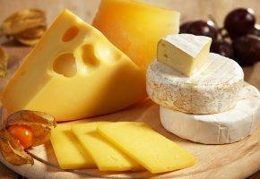 Обои сыр, разные сорта, ломтик, доска, стол
