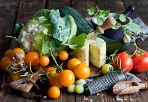 Обои овощи, сыр, помидоры, капуста, брокколи, масло, соль