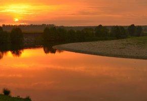 Обои речка, вечер, тишина, закат, солнце, деревья