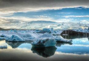 Обои небо, облака, горы, море, лед, льдина, айсберг