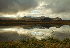 Обои Исландия, горы, озеро, тучи, отражение