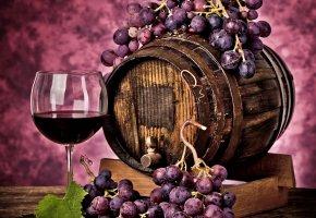 Обои виноделие, виноград, красный, ягоды, бочка, бокал, напиток, вино