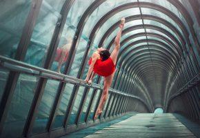Обои девушка, тоннель, гимнастка, красиво, ножки