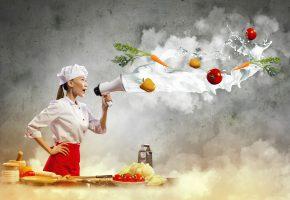 Обои шеф повар, продукты, девушка, громкоговоритель, овощи, морковь, помидоры