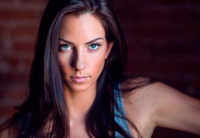 Обои портрет, взгляд, макияж, девушка, красивая, голубые глаза, длинные волосы