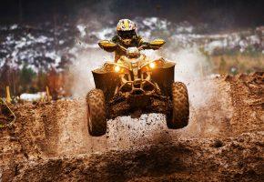 Обои спорт, квадроцикл, экстрим, прыжок, грязь