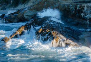 Обои Калифорния, США, море, берег, камни, скалы, прибой, пена, брызги