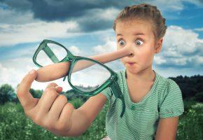 Обои девочка, глаза, нос, очки, выражение, буратино