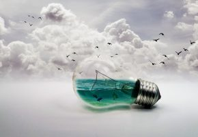 Обои лампа, птицы, море, рыбы, облака