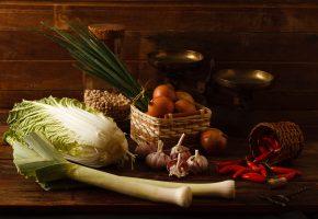 Обои овощи, капуста, перец, лук, чеснок