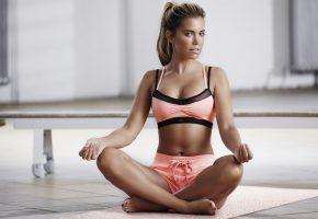 Обои yoga, pose, model, йога, поза, модель, девушка