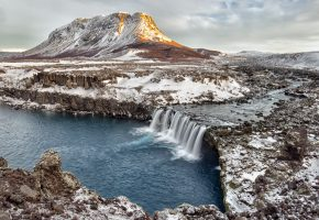 Обои горы, Iceland, winter, waterfall, зима, река, снег, скалы