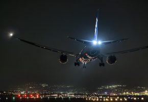 Обои Самолет, Боинг, город, аэропорт, взлетная полоса