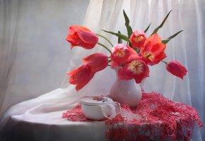 Обои тюльпаны, букет, салфетка, ваза