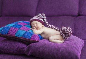 Обои младенец, ребёнок, сон, подушки, диван, колпак