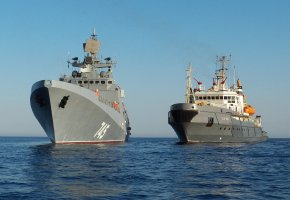 Обои фрегат, Адмирал Григорович, буксир, СБ-921, море