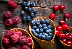 Обои fresh, berries, ягоды, черника, клубника, малина, черешня