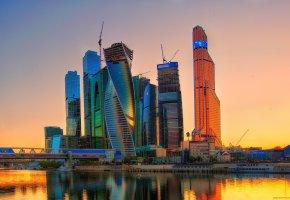 Обои город, небоскрёбы, Russia, закат, столица, Москва-Сити, Moscow-City, небоскрёбы, небо, река, дома