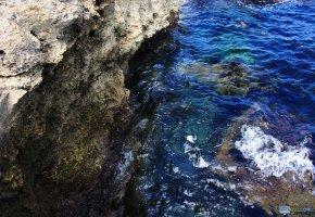Обои море, скалы, волны, брызги, oboitut, вода
