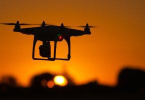 Обои Квадрокоптер, дрон, полет, винты, камера, вечер