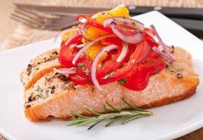 Обои Рыба, Морепродукты, Овощи, лук, зелень
