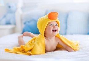 Обои полотенце, улыбка, ребенок, младенец, child, infante