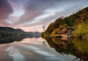 Обои осень, домик, озеро, тишина, горы