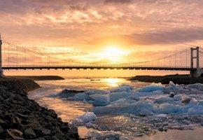 Обои мост, река, закат, лед, камни, пейзаж