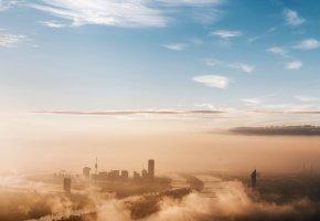 Обои город, небо, туман, горизонт, дома