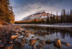 Обои камни, река, облака, пейзаж, горы, лес