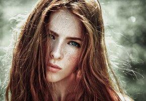 Обои Девушка, Взгляд, Веснушки, милая, глаза, волосы