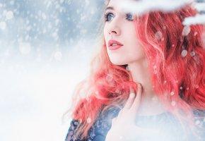 Обои Снег, глаза, зима, девушка, взгляд, портрет