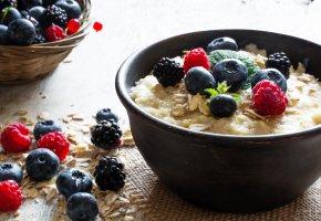 Обои breakfast, fresh, berries, muesli, завтрак, малина, ягоды, черника, мюсли, milk