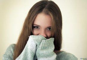 Обои девушка, модель, Анна, взгляд, oboitut, глаза, волосы, свитер