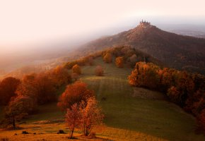 Обои осень, дымка, замок, Германия, холм, туман, свет, утро