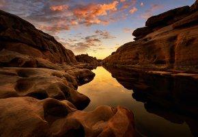 Обои горы, скалы, каньон, река, камни, отражение