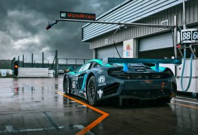 тучи, gt3, mp4-12c, Mclaren, von ryan racing, мокрый трек