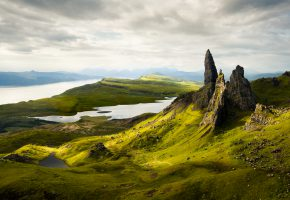 Обои scotland, Old Man of Storr, гора, озеро, склон