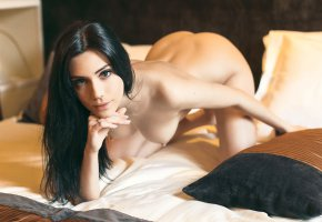 Обои Brunette, hot, look, eye, smile, lips, pretty, perfect, beautifull